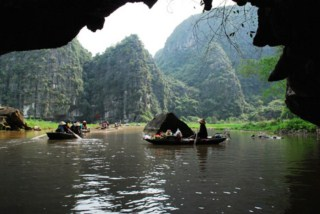 Tam Coc caves daily excursion